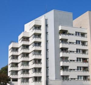 apartment-balcony-skyscraper-1365469-m