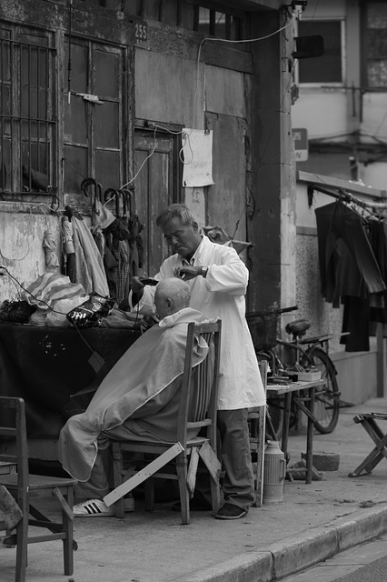 Komfortowe usługi fryzjerskie – czy wszystko leży w fotelu?
